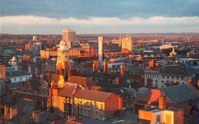 Coronavirus : une ville anglaise risque un confinement local
