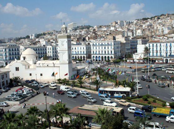 En Algérie, la forte hausse des cas de Covid-19 inquiète